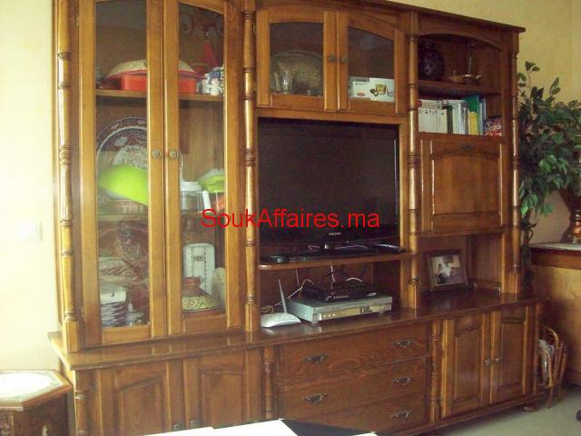 living de salon .Dimon L  2,40xHaut 2m P 57 cm.