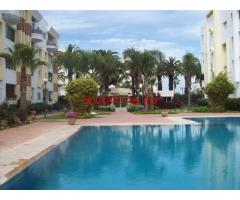 Appartement 912 avec piscine et jardin au bord de mer corniche.