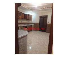 Étage villa de 4pièces à louer vide à Laksour