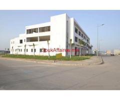 Batiment industriel et showroom commercial 3000 m², Ouled saleh