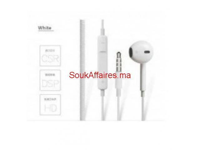 A vendre les accessoires téléphones chargeur Plustar