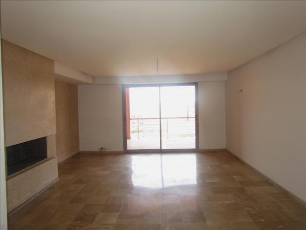 En vente très bel appartement 3 façades