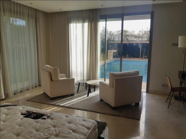 villa 1820m² moderne de luxe bien équipée meublée classe proche mega ma