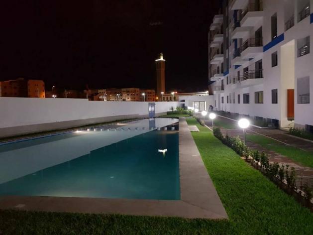 Duplex au résidence fermée et sécurisée avec piscine