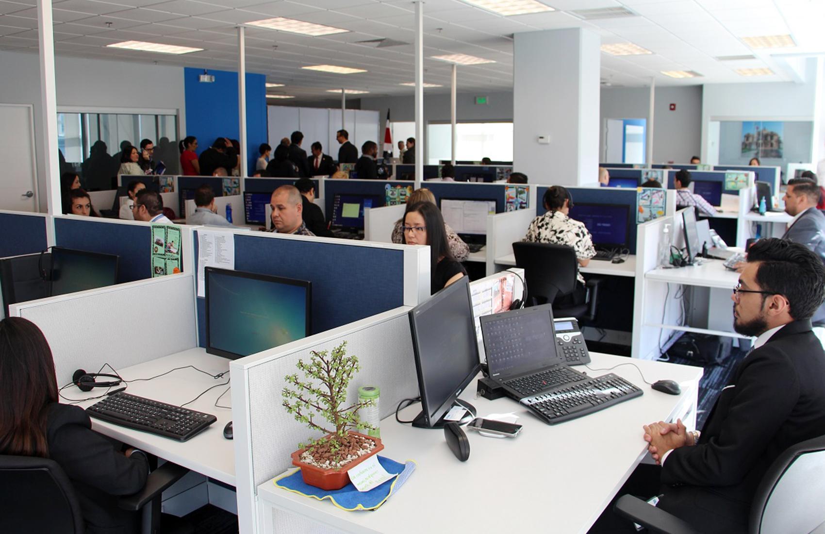 Nouveau Centre D'appel Call building Recherche Téléconseillers