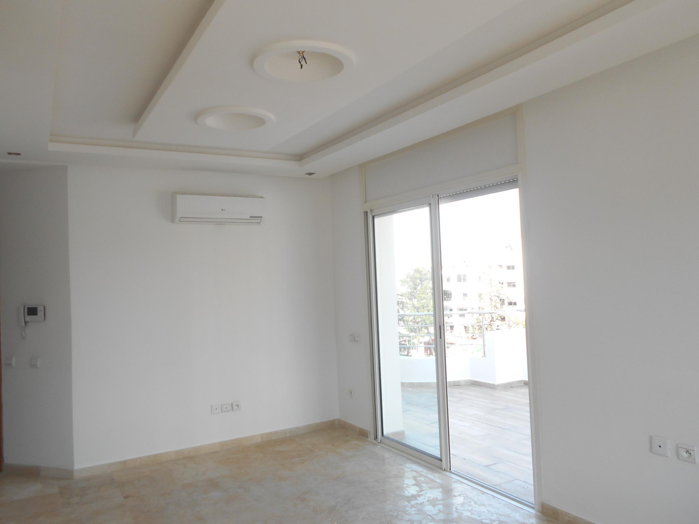 Joli appartement avec belle terrasse en location à Rabat Agdal
